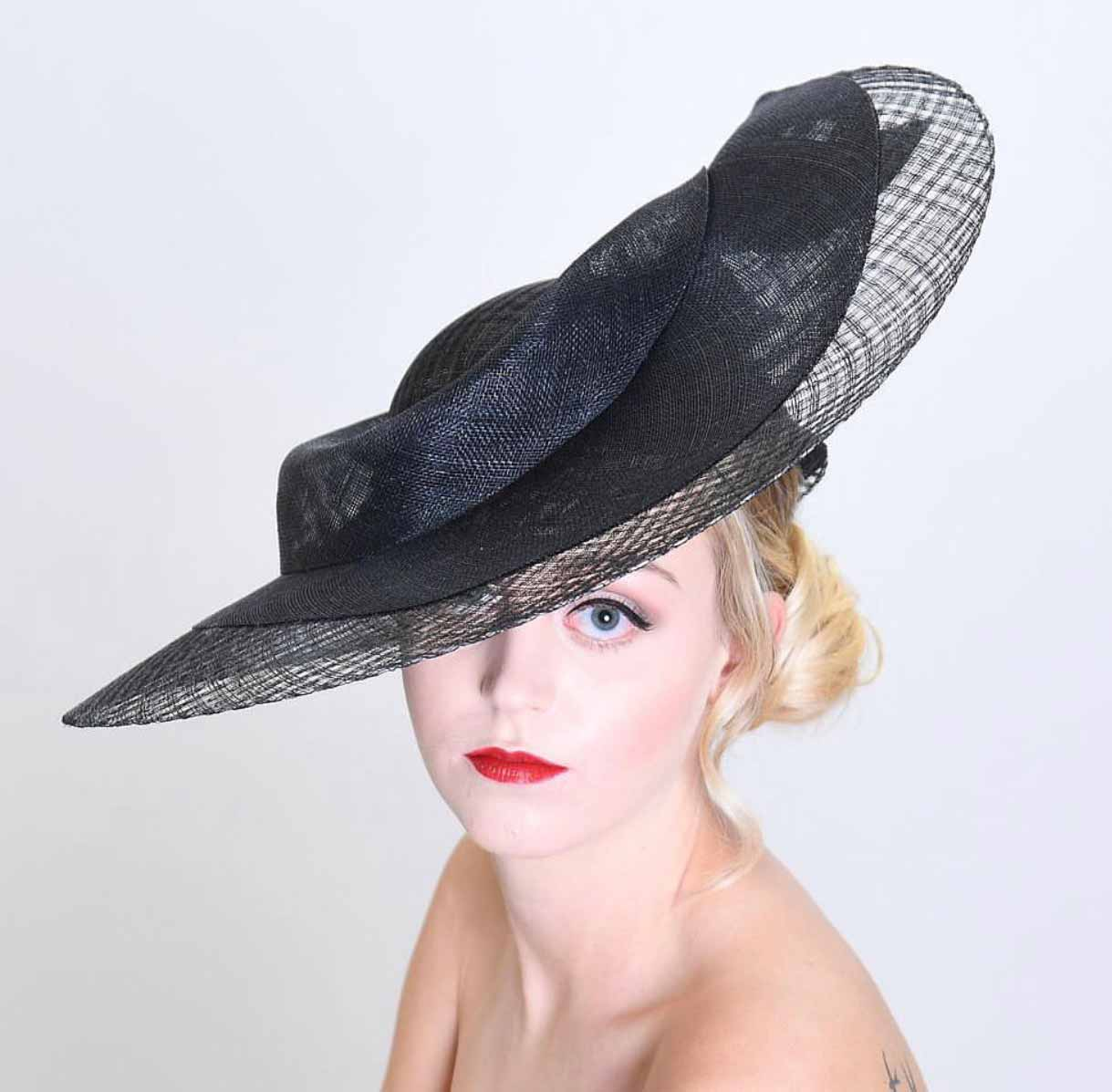 Freeform parasisal straw hat in black with crinolin trim